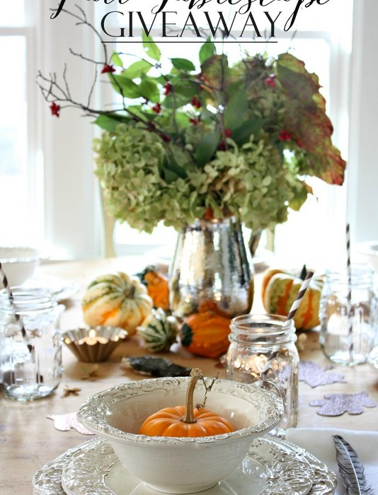 In time for the holidays! Enter to win 6 place setting sets.  Dinner and salad plate along with the bowl - 6 sets!