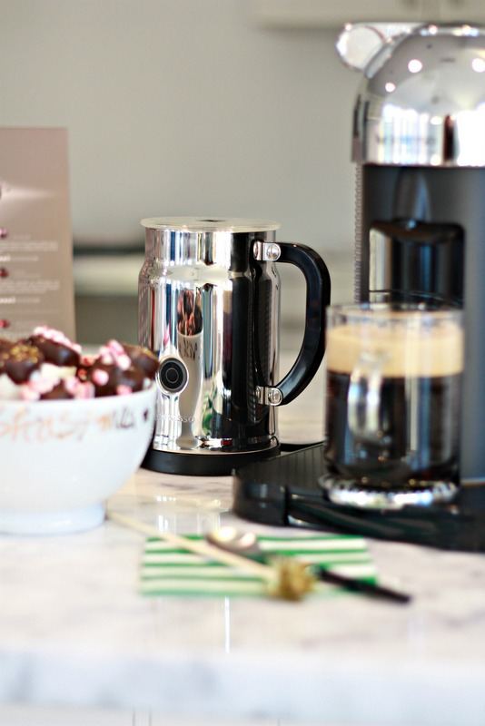 Nepresso Coffee Machine and Milk Frother