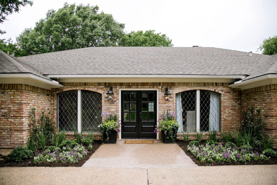 Curb appeal and landscaping ideas from fixer upper Fixer upper ranch house