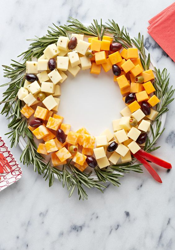 easy-cheese-wreath